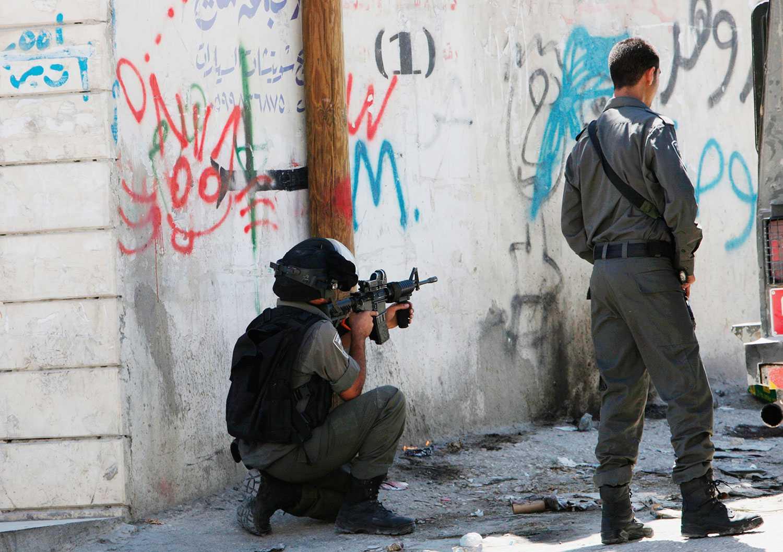 Men när SvD publicerar en artikel där det presenteras att Israel utfört 2300 mordoperationer i den israeliska statens regi bryter en dånande tystnad ut.