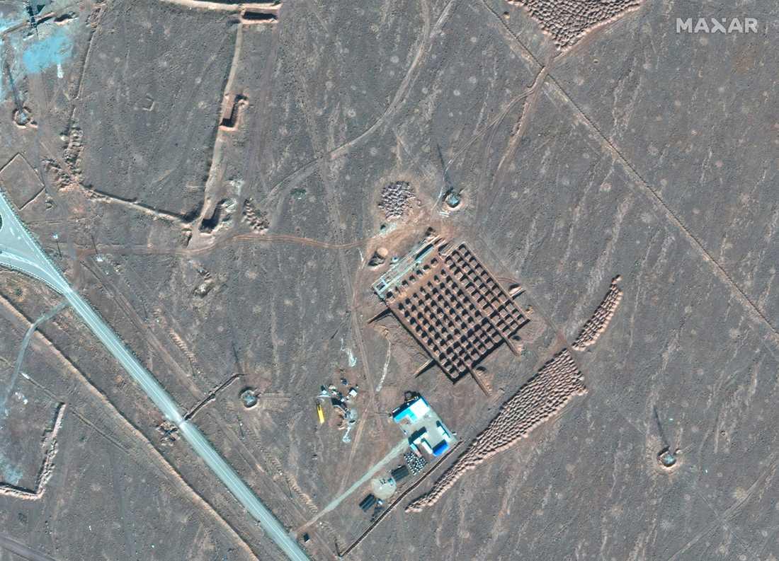 Ett satellitfoto visar en iransk kärnenergianläggning nordöst om staden Qom.