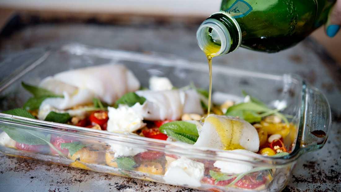Enligt Livsmedelsverket visar testerna om oliverna till exempel varit mögliga, angripna av larver eller lagrats i en smutsig lokal. Sådana oliver får inte användas för att tillverka extra jungfruolja. Arkivbild.
