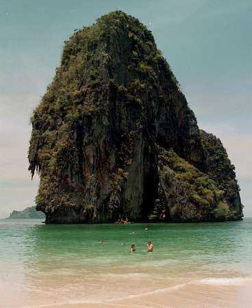 PARADIS Prah-Nang i Krabi bjuder på smaragdgrönt vatten, vita sandstränder och fantastiska klippöar.