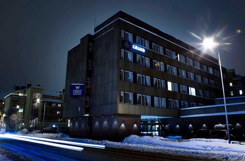 Lindberg skulle träffa en 14-årig flicka på First Grand Hotel i Falun.