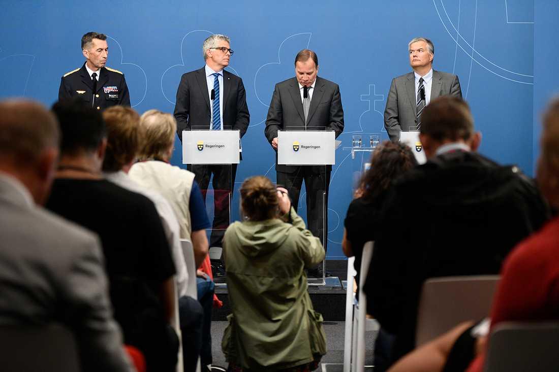 Micael Bydén, Anders Thornberg, Stefan Löfven och Jonas Bjelfvenstam.