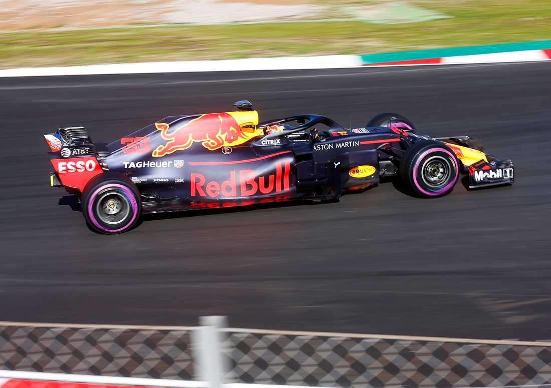 Max Verstappen körde 130 varv – trots att Red Bull hade problem med ett batteri som tog en timme att lösa.
