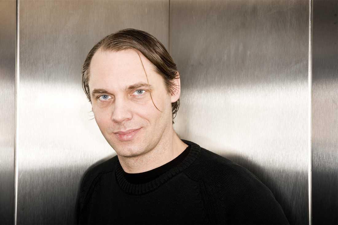 Mattias Andersson slog igenom i början på 90-talet med pjäser om klass och samhälle, teman som följt hans arbete som dramatiker.