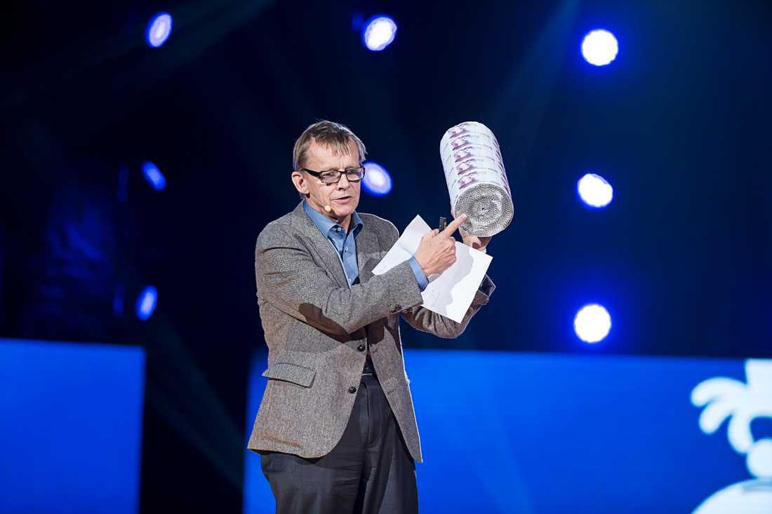 """Rosling på """"Hela Sverige skramlar"""", en välgörenhetsgala i Globen till förmån för människor på flykt i september 2015."""