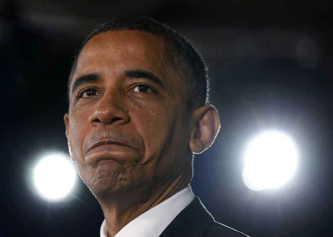 SVÅRT BAKSLAG Gårdagens sänkning av USA:s kreditbetyg är en hård motgång för president Barack Obama. Nu varnar experter för att krisen kan hota våra pensioner.
