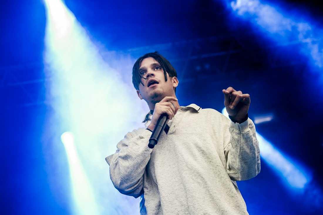 Lorentz har precis släppt sitt tredje hyllade soloalbum – ikväll spelar han live på Aftonbladet.