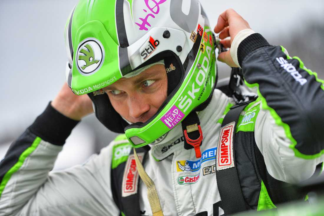 Pontus Tidemand leder WRC2