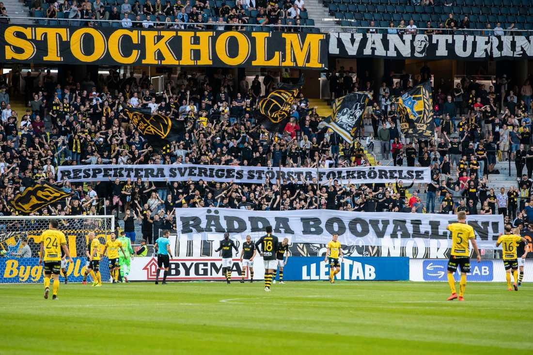 Även AIK:s supportrar protesterade mot de nya restriktionerna under mötet mot Elfsborg den 13 juli.