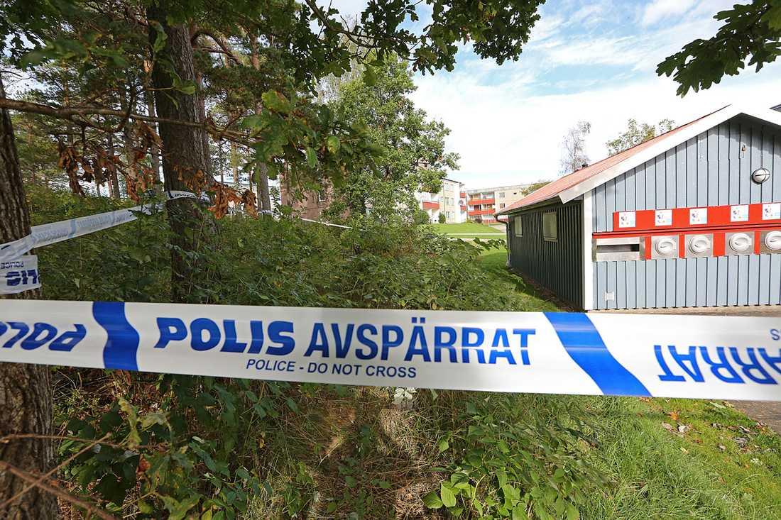 Polisen har spärrat av vissa områden efter den misstänkta våldtäkten i natt.