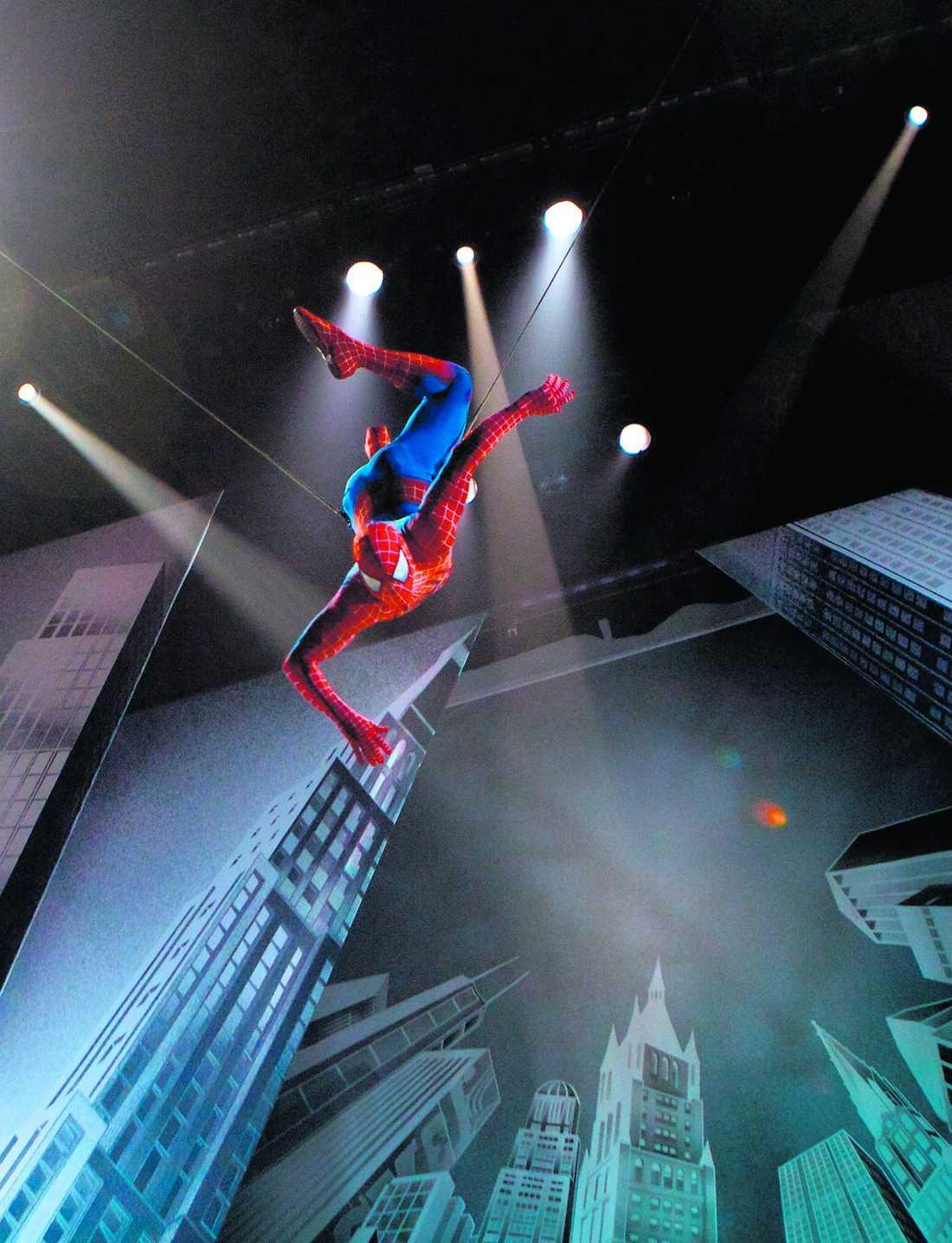 """Spindlarna i nätet The Edge och Bono har skrivit musiken och låtarna till musikalen """"Spider-man: Turn off the dark""""."""