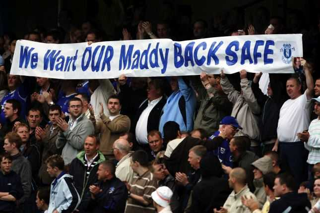 Evertons supportrar stöttar föräldrarna i sökandet efter sin försvunna dotter.