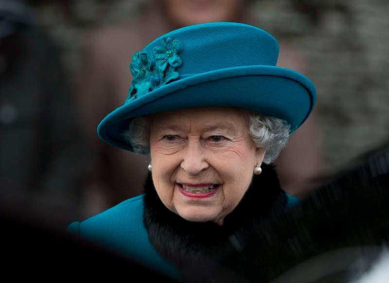 Drottningen tar trickenDet händer inte ofta men i veckan ska drottning Elizabeth och prins Philip åka tunnelbana. Orsaken är att Londons t-bana 150-årsjubilerar och dessutom har sprängt miljardvallen, så många passagerare körde de senaste året. Även då vårt kungahus åker kollektivt blir det ståhej.