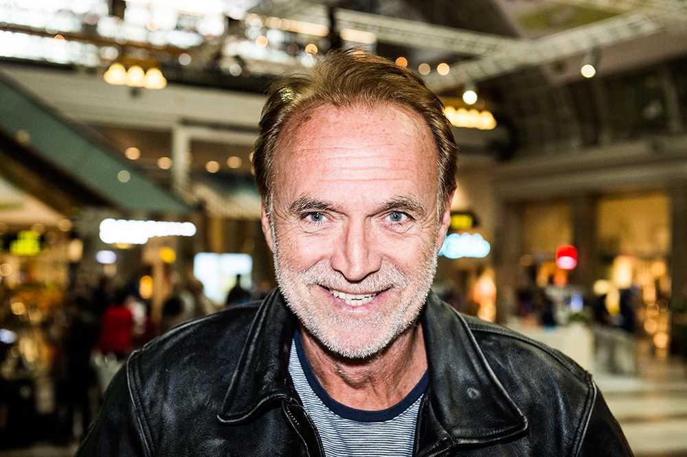 """Claes Af Geijerstam, 67 år, radio– dj, Stockholm """"Stäng mejlboxen och den smarta telefonen och lyssna inte på några råd."""""""