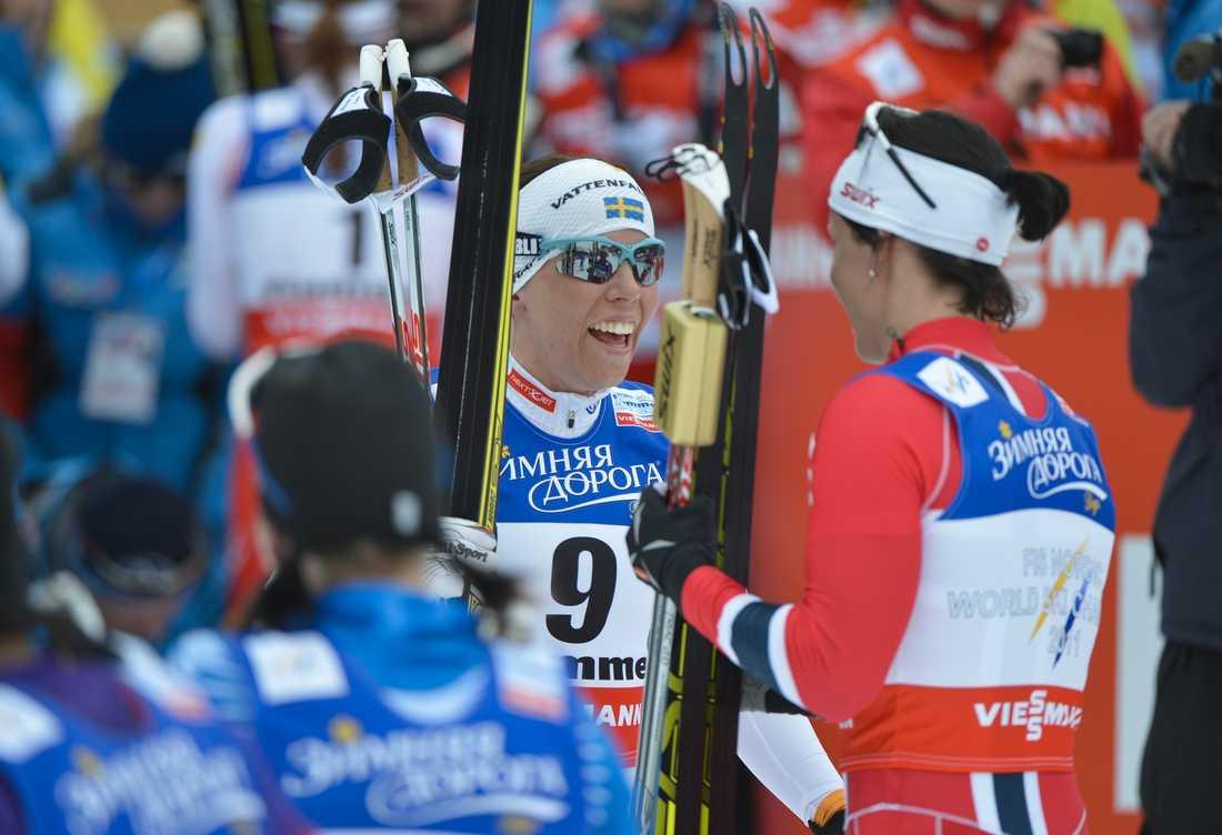Kalla gratulerade Björgen. Foto: Andreas Bardell