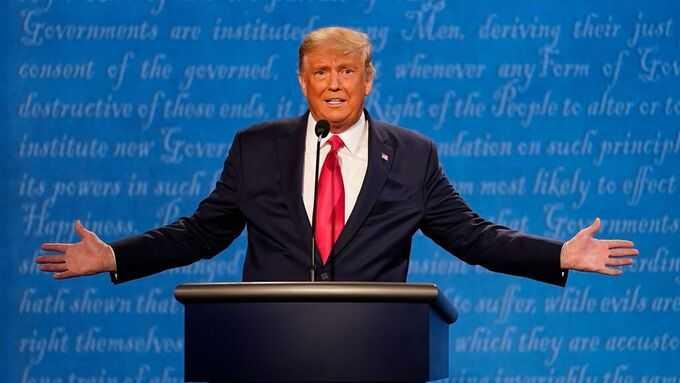 """""""Jag är den minst rasistiska personen"""", sa Donald Trump under debatten."""