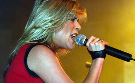 80-talsidol Samantha Fox blev ett världsnamn när hon slog igenom som utvikningsmodell och sångerska på 1980-talet.