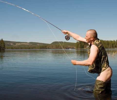 Mr Augusti Nästan helt klädd för fiskelycka.