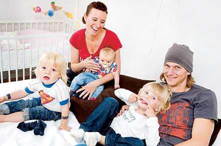 Njuter av mer tid tillsammans Andreas och Marie njuter tillsammans med barnen Ebbe, Mira och Samuel efter lotterivinsten. Ett liv med mindre stress och större samvaro med familjen.