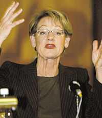 Gudrun Schyman meddelade sin avgång vid en blixtinkallad presskonferens på söndagsmorgonen.