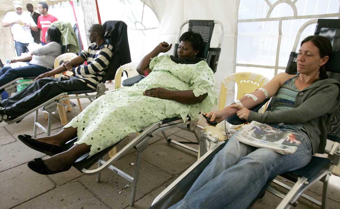 Blodgivare vid extra blodgivarstationer.