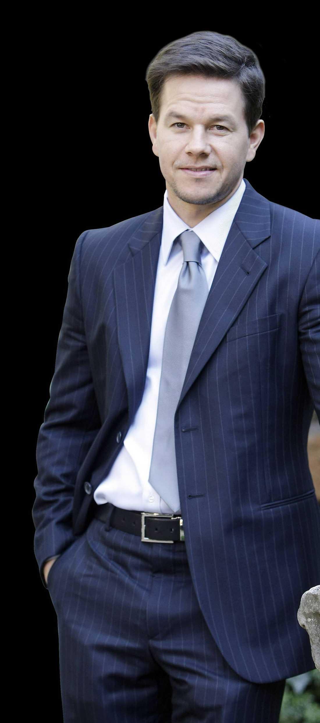 """Dålig stämningMark Wahlberg blev förbannad på regissören Peter Berg när han nästan fick en granat i huvudet under inspelningen av """"Lone survivor""""."""