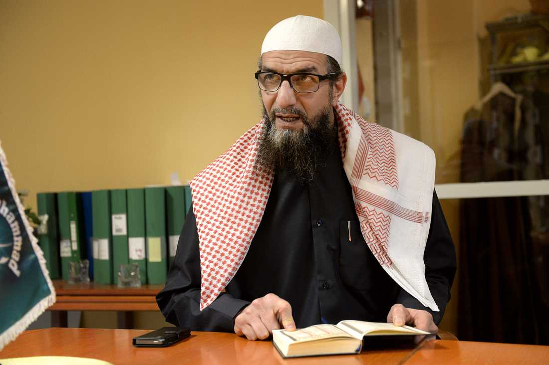 Abo Raad, är imam i Gävlemoskén Al Rashideen (de rättfärdiga) och far till Raad Al-Duhan.