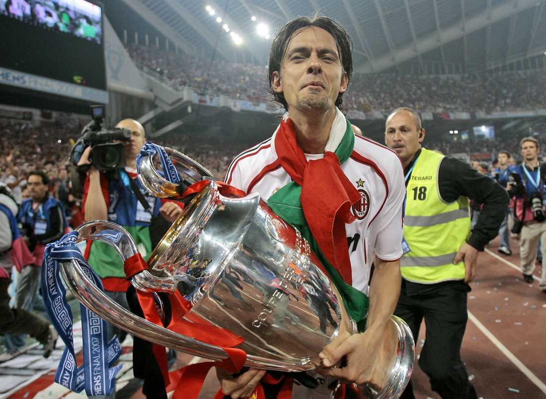 En hyfsat nöjd Filippo med Champions League-pokalen.