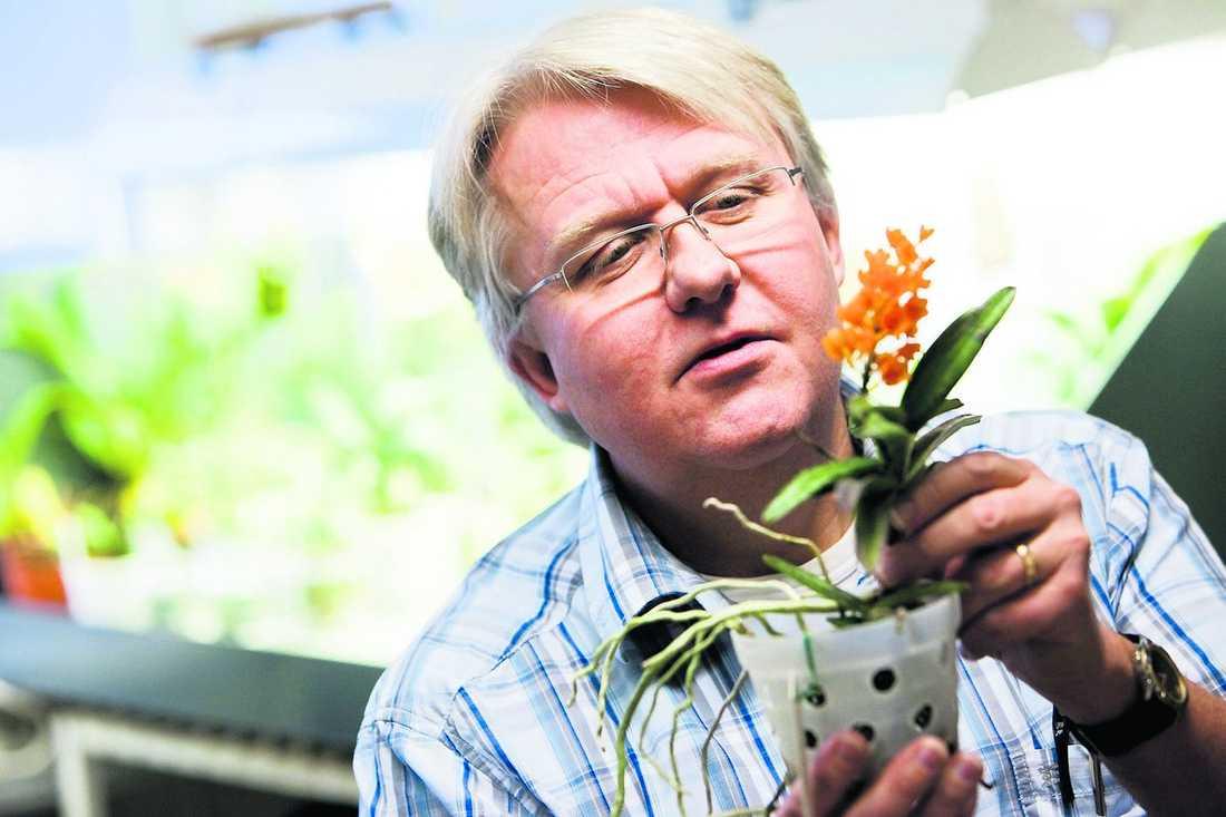 Per-Anders Viebke undervisar om orkidéer och tycker att hans ämne är högst akademiskt.