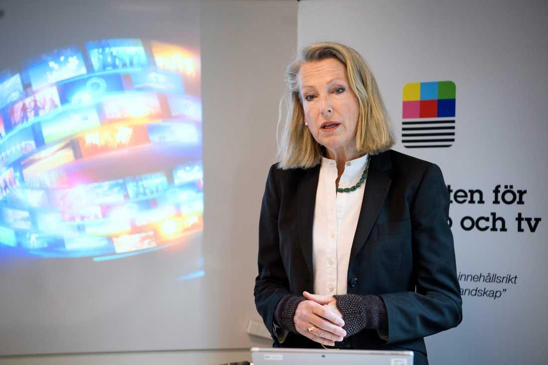 Myndigheten för press, radio och tv presenterar de nya sändningstillstånden för marksänd tv. På bilden generaldirektör Charlotte Ingvar-Nilsson.