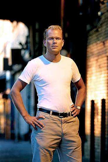 Martin Sandgren, 30, är förste svensk på plats vid Ground Zero på katastrofplatsen.