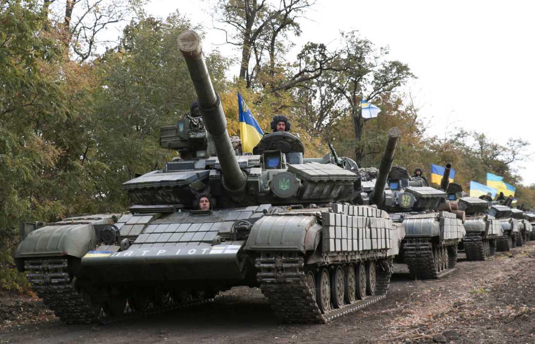 Ukrainska stridsvagnar i Donetskregionen. Arkivbild.