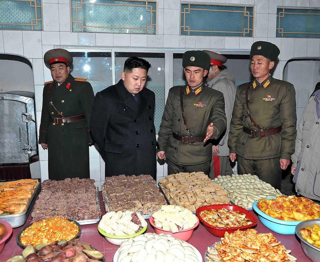 Nu har Kim Jong Un tagit över efter sin pappa – på riktigt.