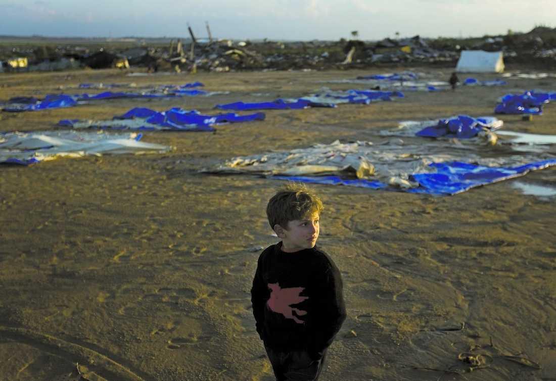 Världens allra fattigaste har ingen chans att göra sig hörda i Sverige, och därför bryr vi oss inte om att utvärdera om biståndet verkligen fungerar.