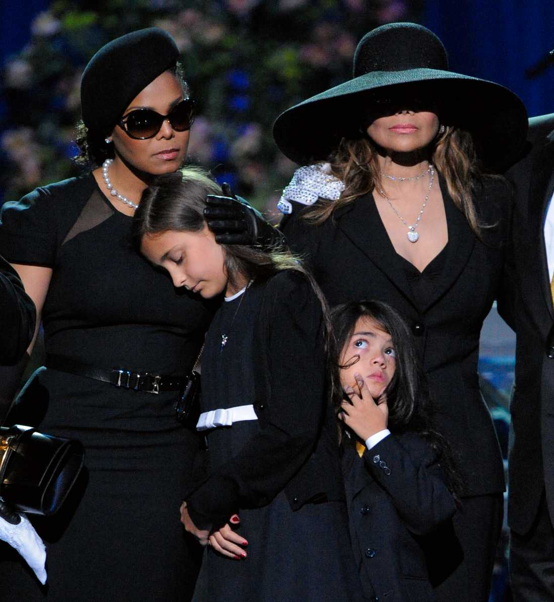 Janet, Paris, Blanket och La Toya på Michael Jacksons minnesstund.
