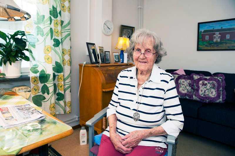 Pratar varje vecka Julia Gedlund, 96, och Birgit Almgren (född Blad), 94, fann varandra genom tidningen Lyckoslanten när de var barn. De har bara träffats sex gånger, men otaliga är de brev som har växlats mellan Sattjärvi och Göteborg.