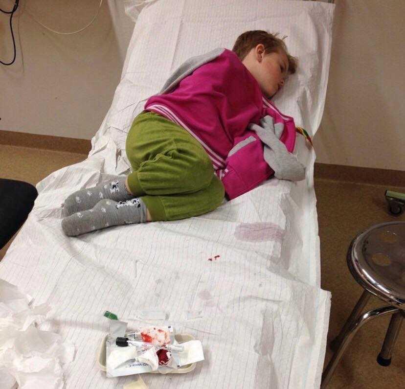 Casper har fått åka ambulans till sjukhuset, en gång var år 2015 när han drabbades av magsjuka som inte gick över. Något som kan vara livsfarligt.