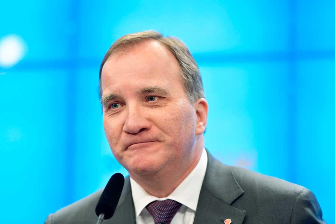 En nöjd Stefan Löfven (S) ska nu sätta ihop en ny regering. Arkivbild.