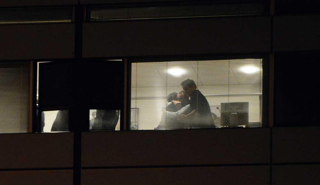 Glädjescener på SAS-högkvartere i natt.