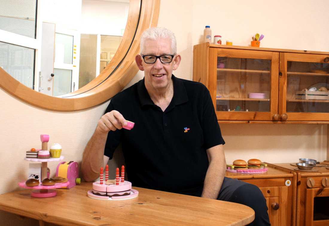 Mats är glad över utmärkelsen.Han har jobbat inom lekterapi sedan 2002.