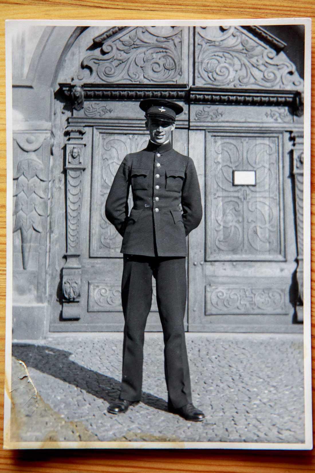 Stig Carlsson blev kvar i planet och försvann. Han hade varit pilot i ett knappt år och hade fått sitt aviatördiplom (nr 778) i september året innan.