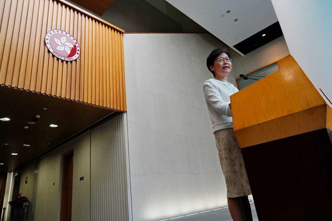 Hongkongs ledare Carrie Lam under en presskonferens under tisdagen.