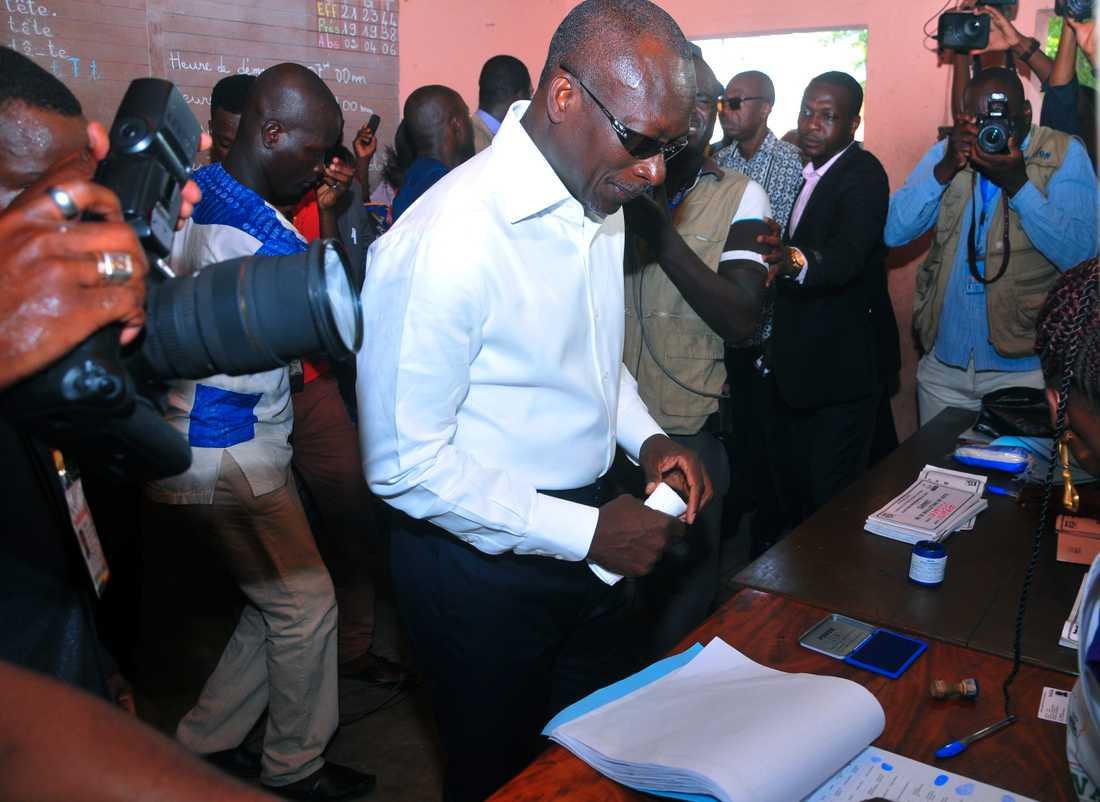 Patrice Talon väntas ta hem Benins presidentval. På bilden röstar han i valet 2016.