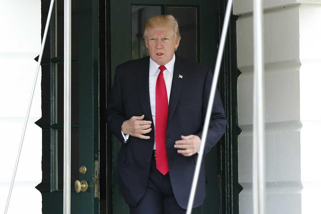 Donald Trump vill sparka sin justitieminister Jeff Sessions, enligt källor till AP.