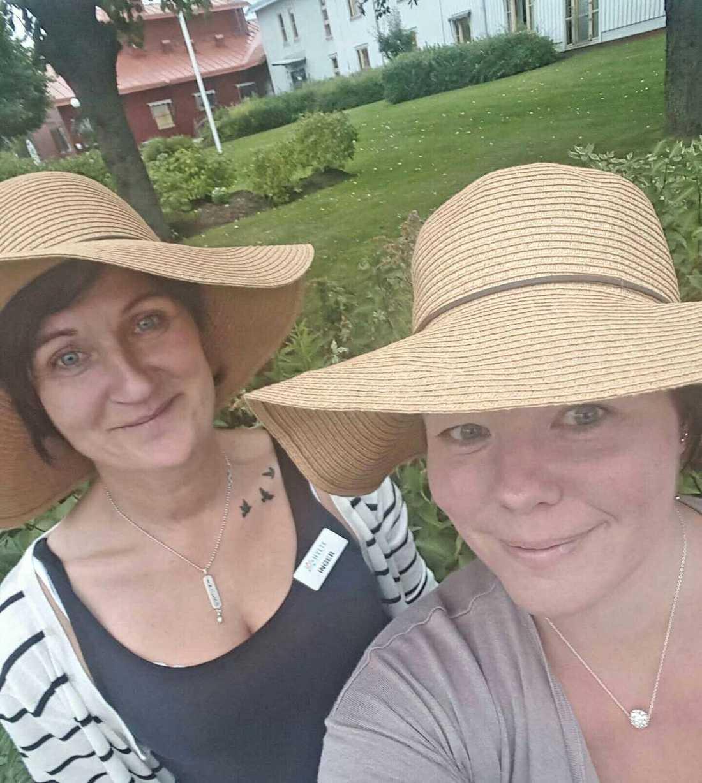 Kollegorna Jessica Andersson och Inger Ebbesson.