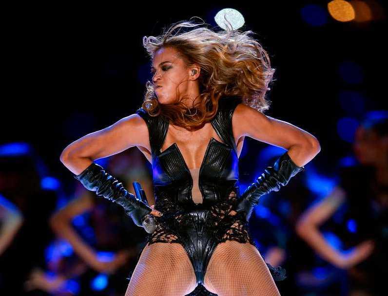 Sångerskan Beyonce var det stora numret i halvtidsshowen. Foto: AFP