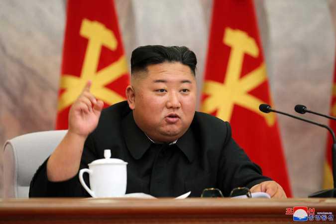 Kim Jong-Un är tillbaka efter tre veckors frånvaro.