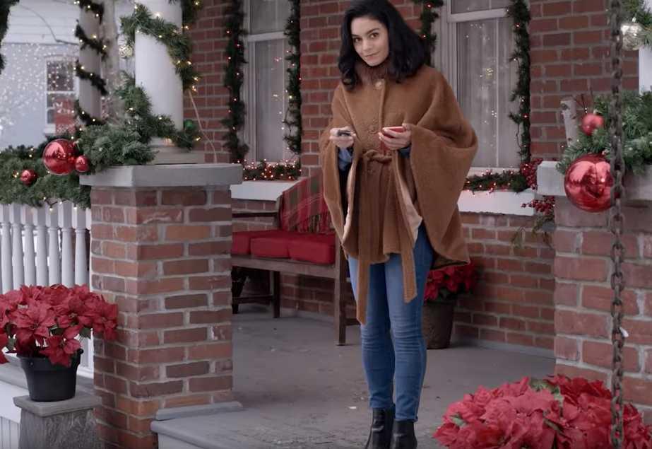 """Vanessa Hudgens i """"The knight before Christmas""""."""