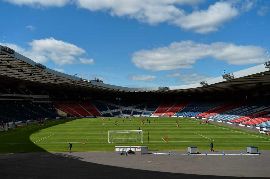 Hampden Park, Glasgow. Kapacitet: 51 000. Byggår: 1903.