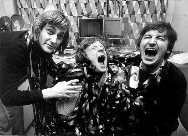"""Lasse Hallström, Brasse Brännström och Magnus Härenstam i en studio 1972. """"Han var ju en skolad clown, inte bara en klassisk clown"""", säger Lasse om sin vän."""